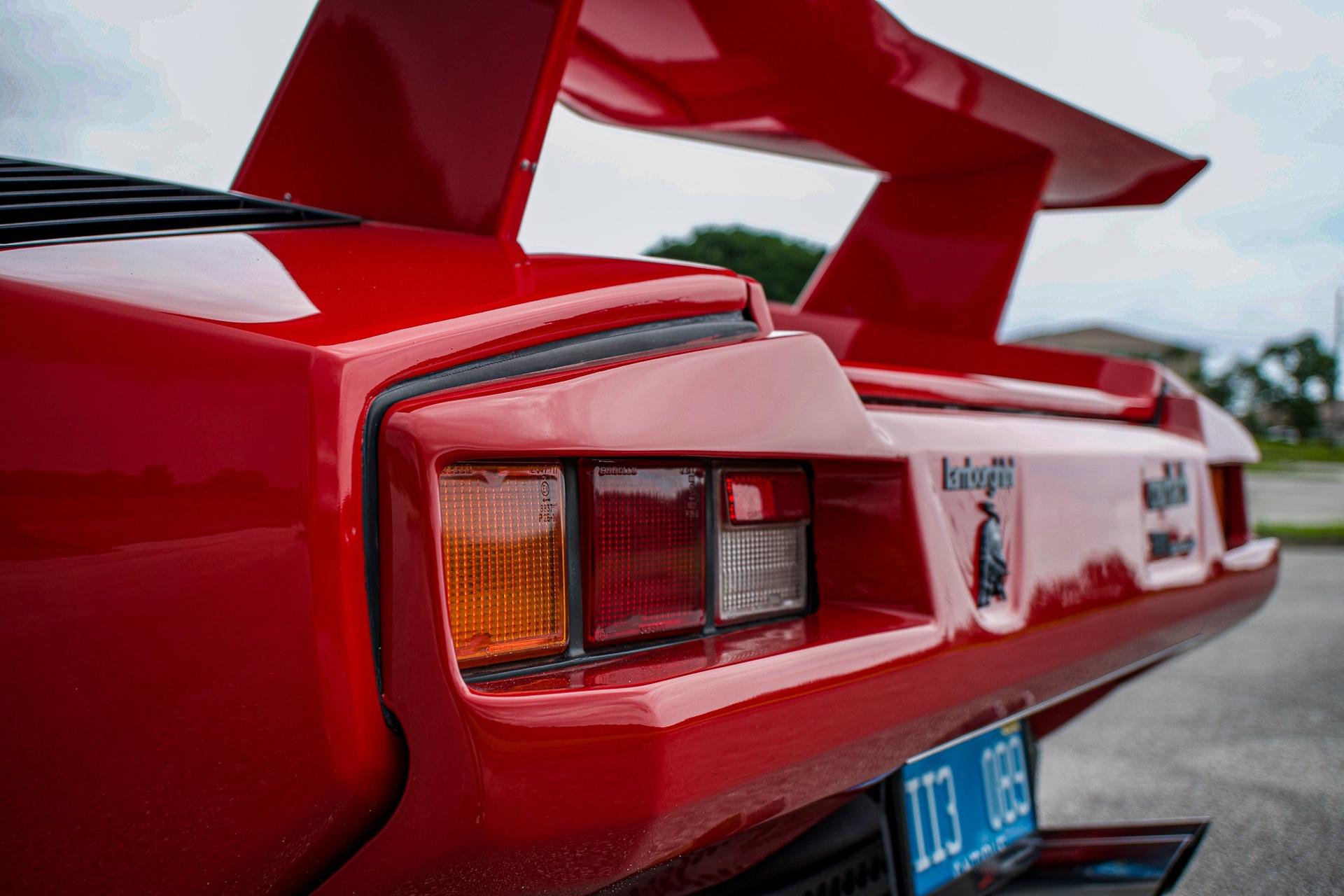 1988_Lamborghini_Countach_5000_QV_0010