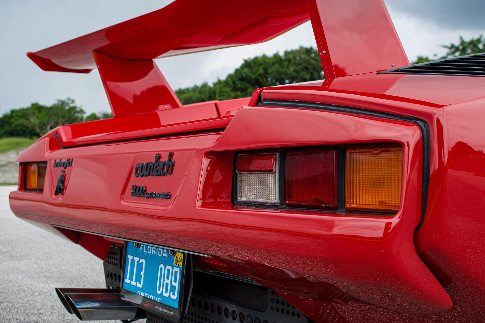 1988_Lamborghini_Countach_5000_QV_0012