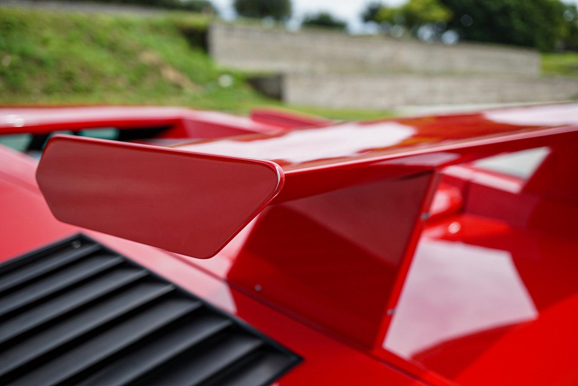 1988_Lamborghini_Countach_5000_QV_0013