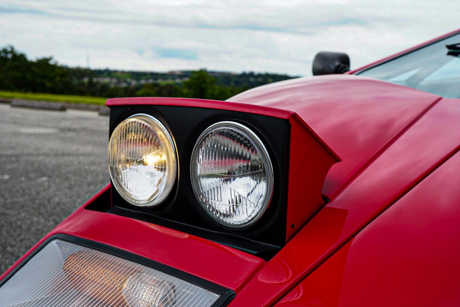 1988_Lamborghini_Countach_5000_QV_0017