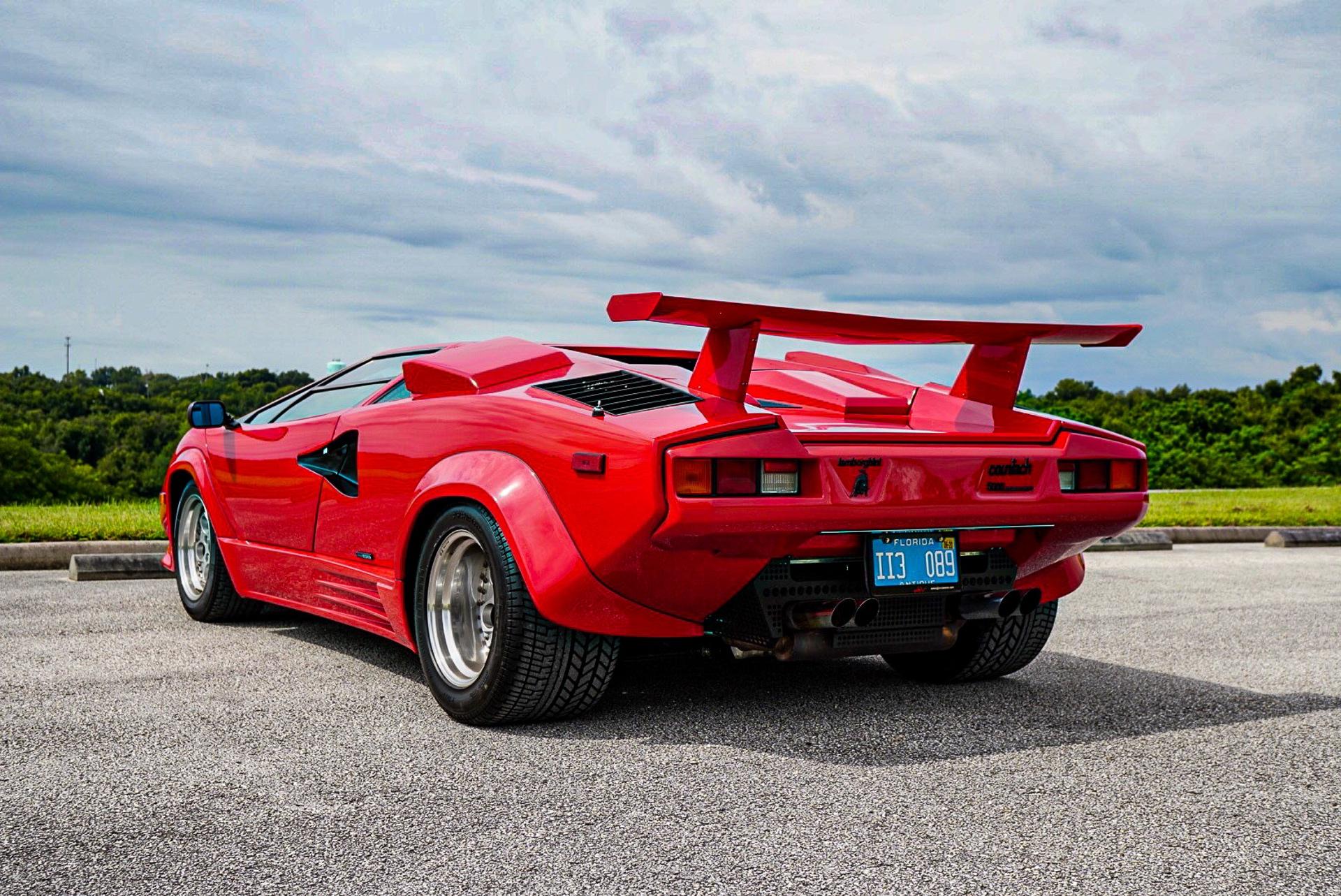 1988_Lamborghini_Countach_5000_QV_0026