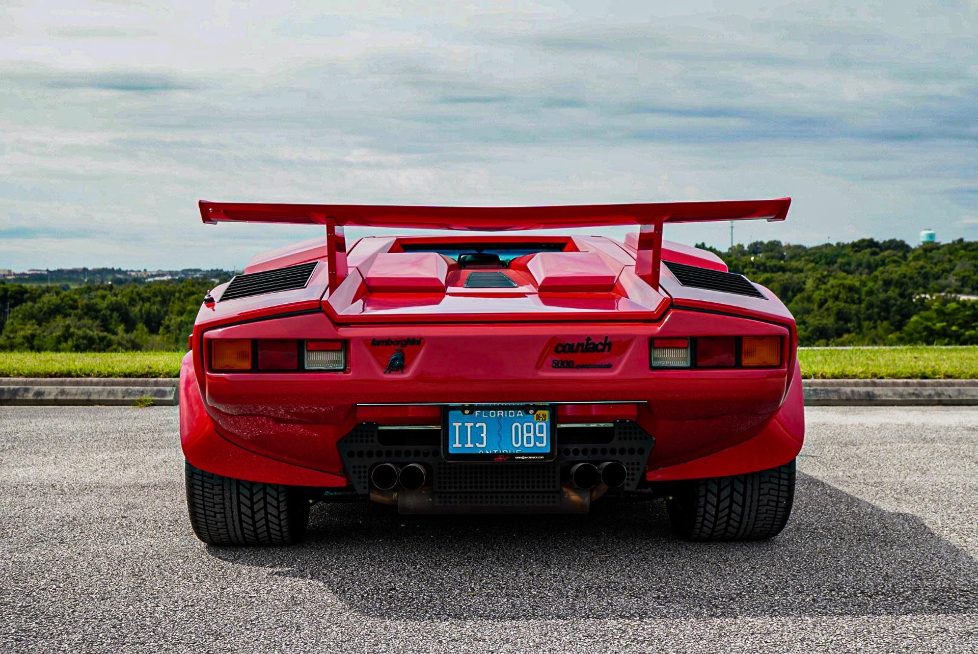 1988_Lamborghini_Countach_5000_QV_0027