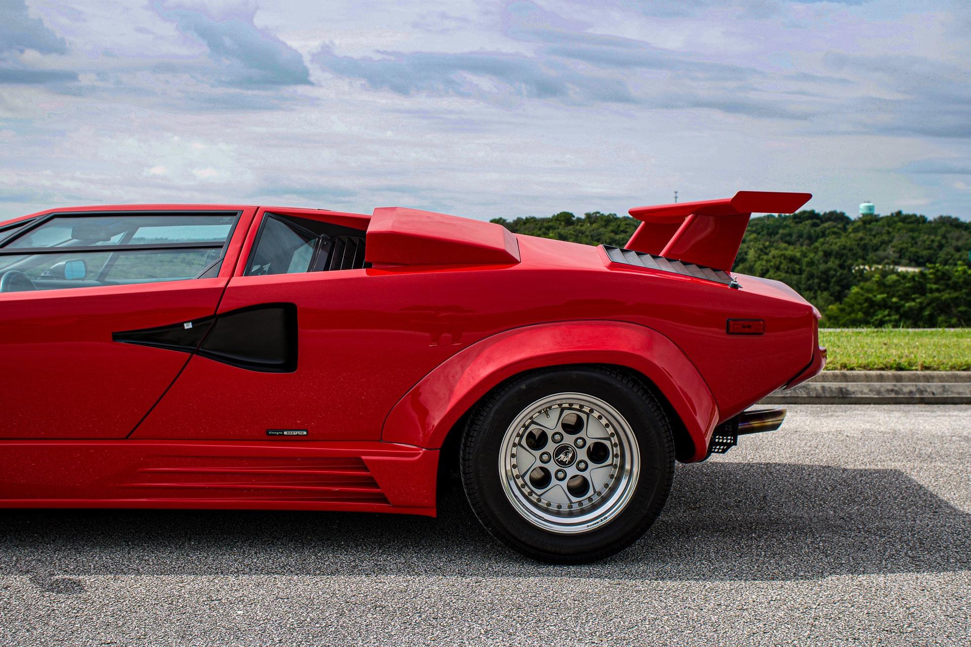 1988_Lamborghini_Countach_5000_QV_0029