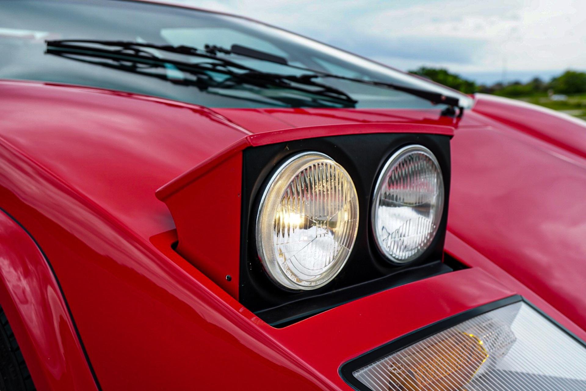 1988_Lamborghini_Countach_5000_QV_0038