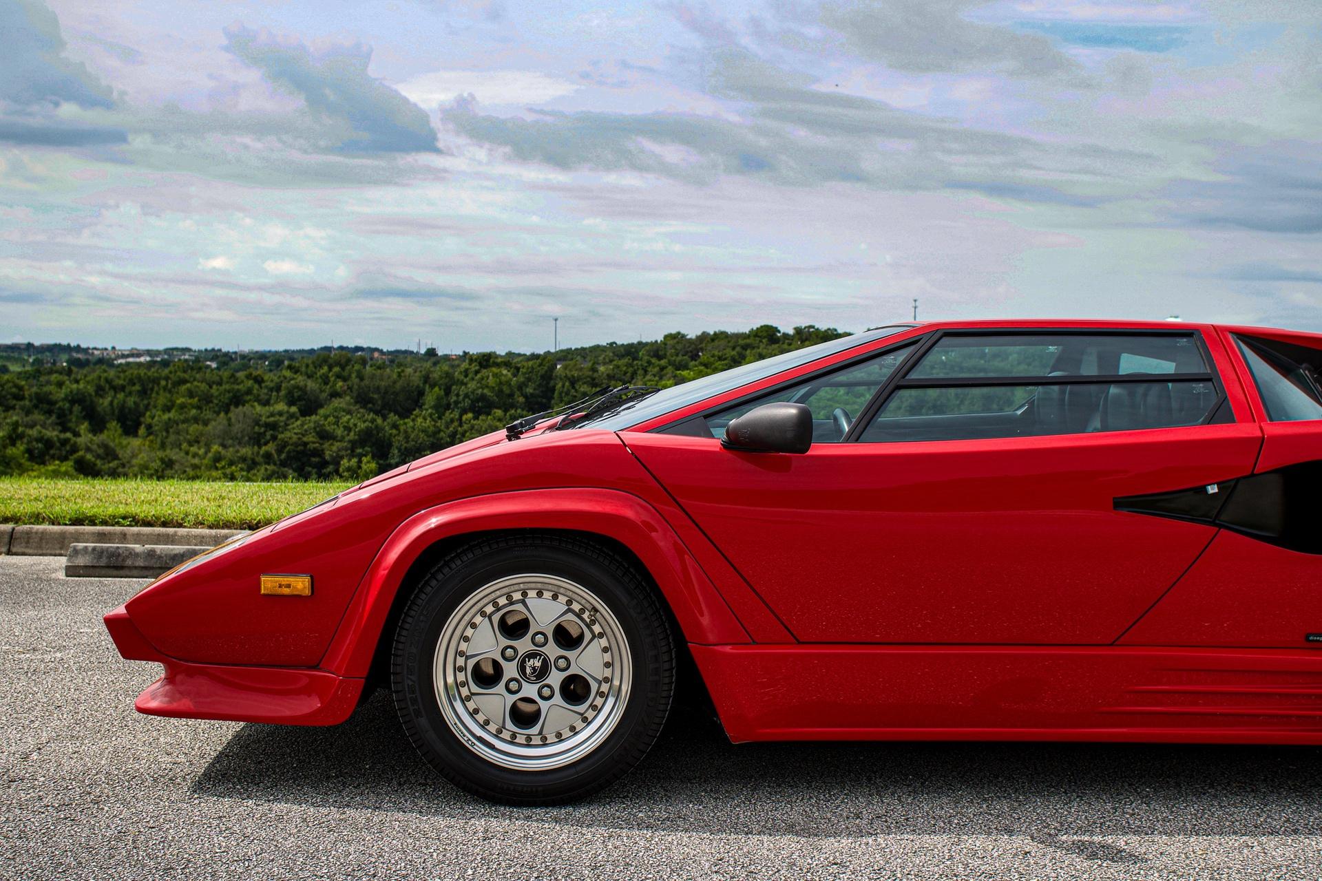 1988_Lamborghini_Countach_5000_QV_0039