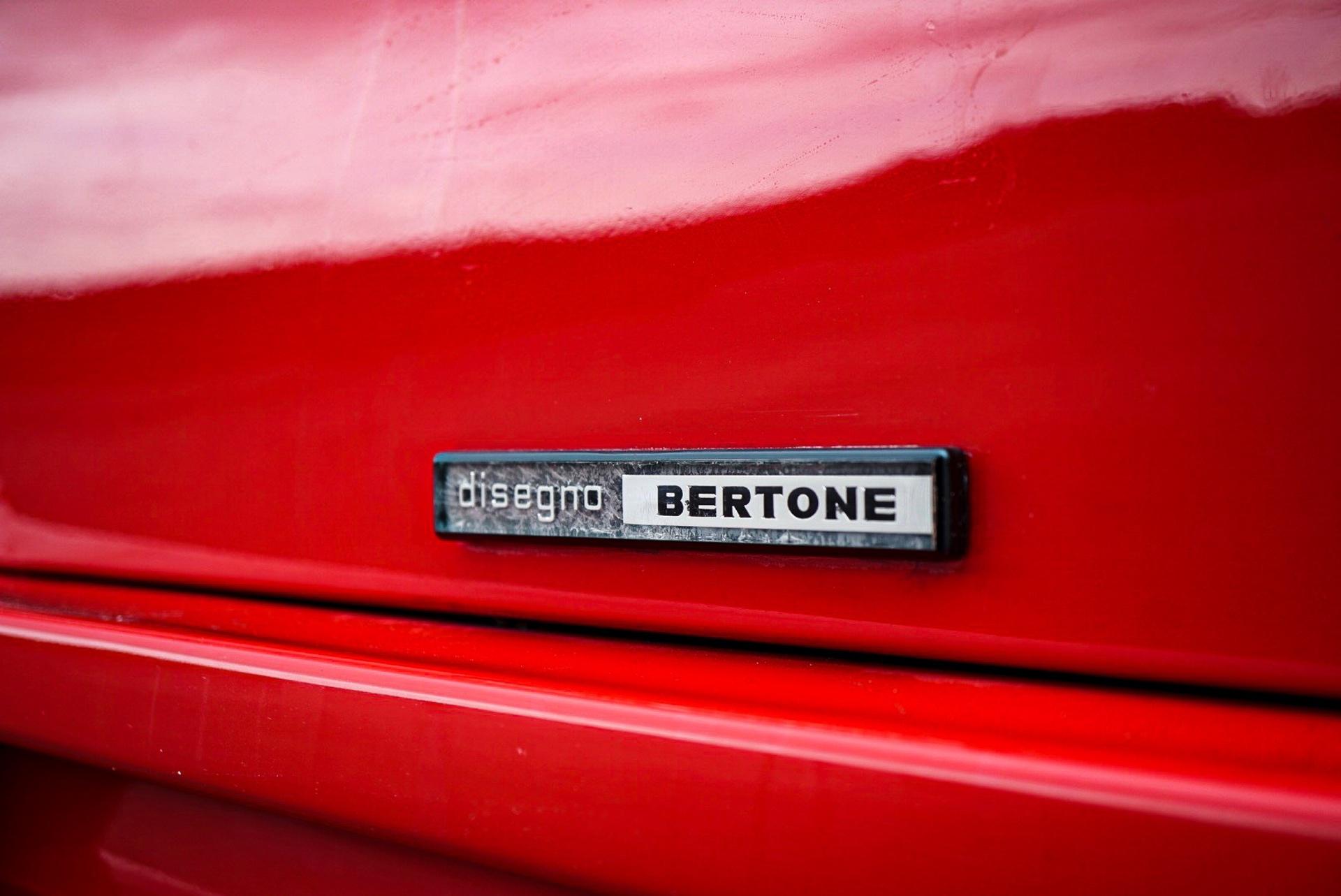 1988_Lamborghini_Countach_5000_QV_0043
