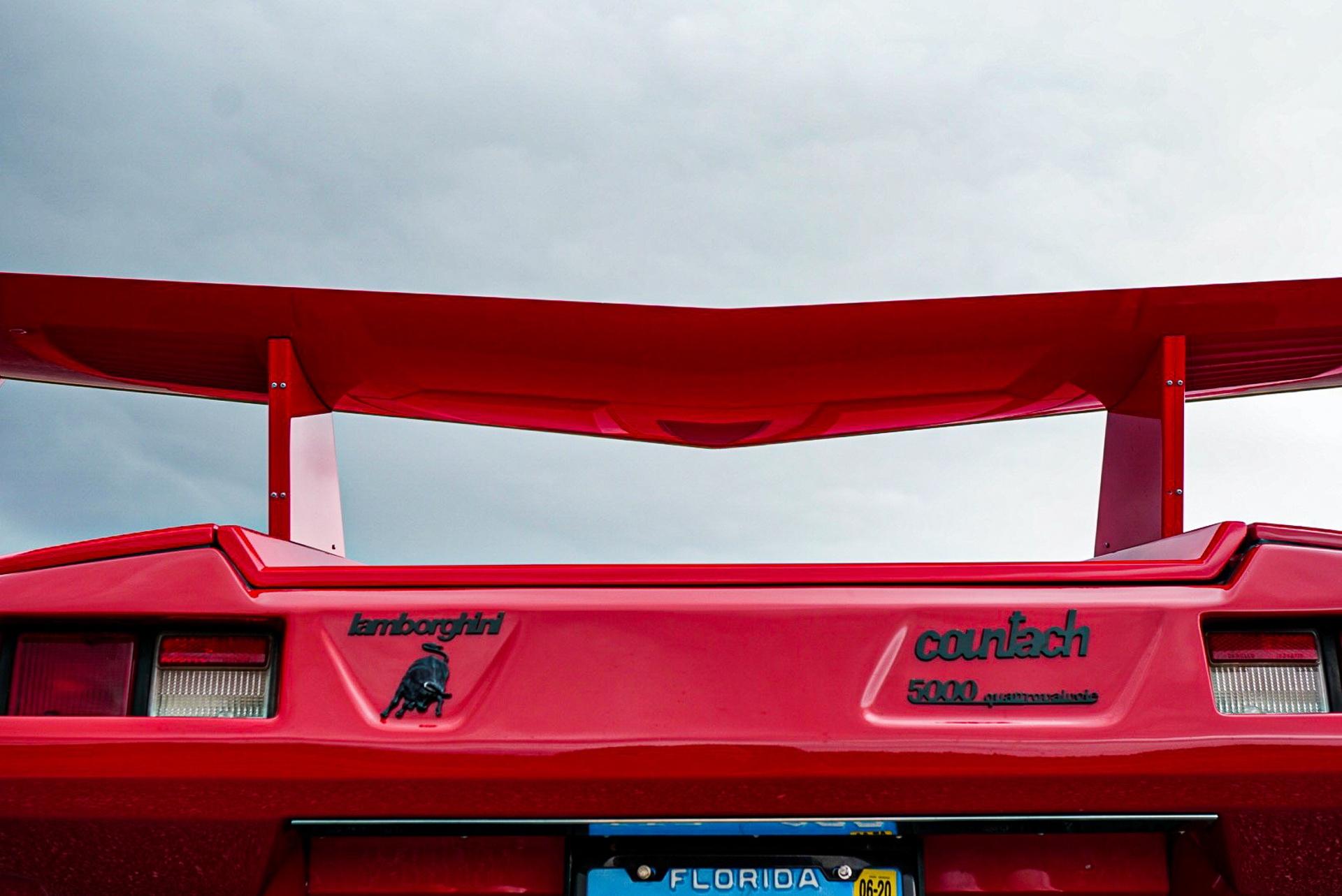 1988_Lamborghini_Countach_5000_QV_0044