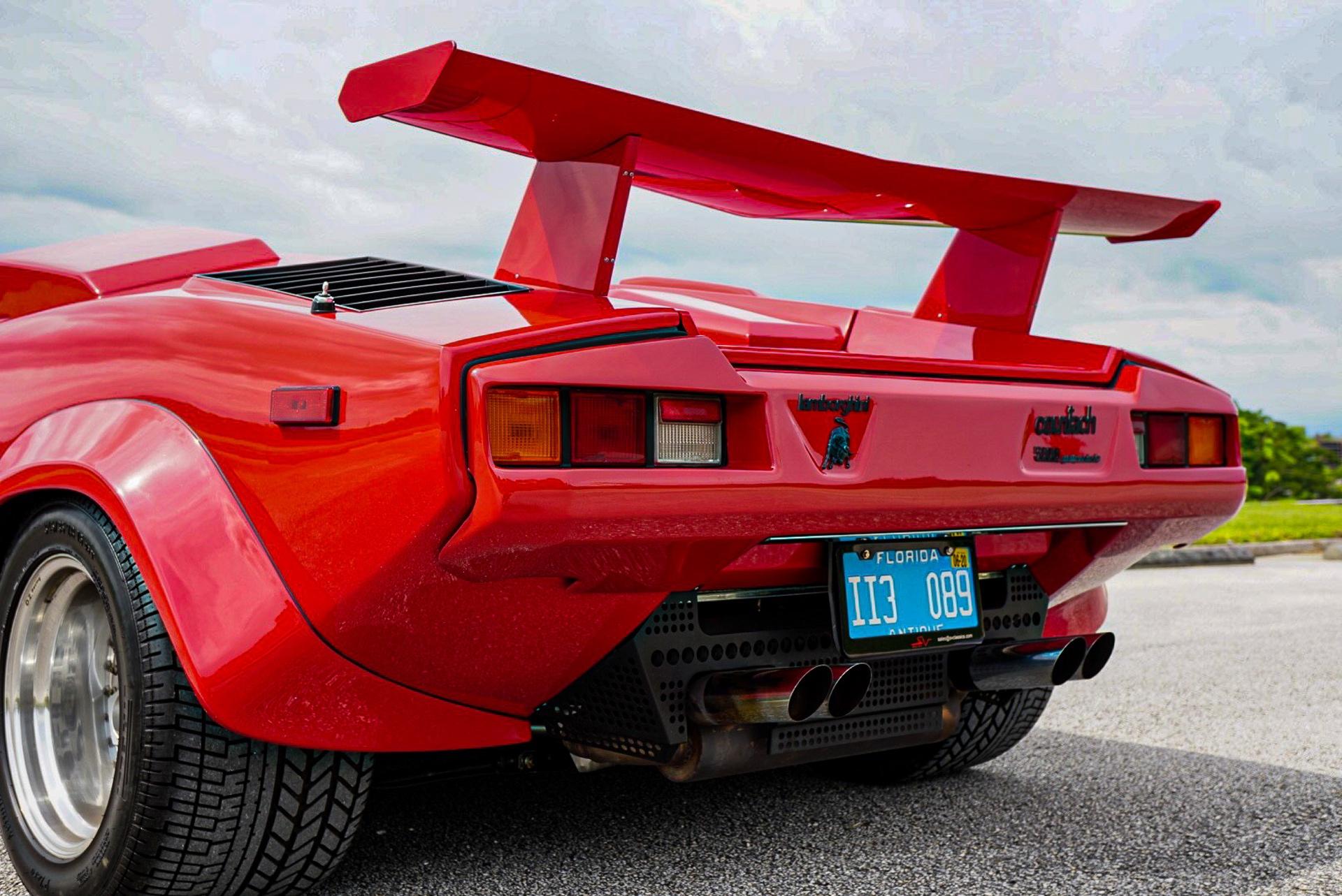 1988_Lamborghini_Countach_5000_QV_0045