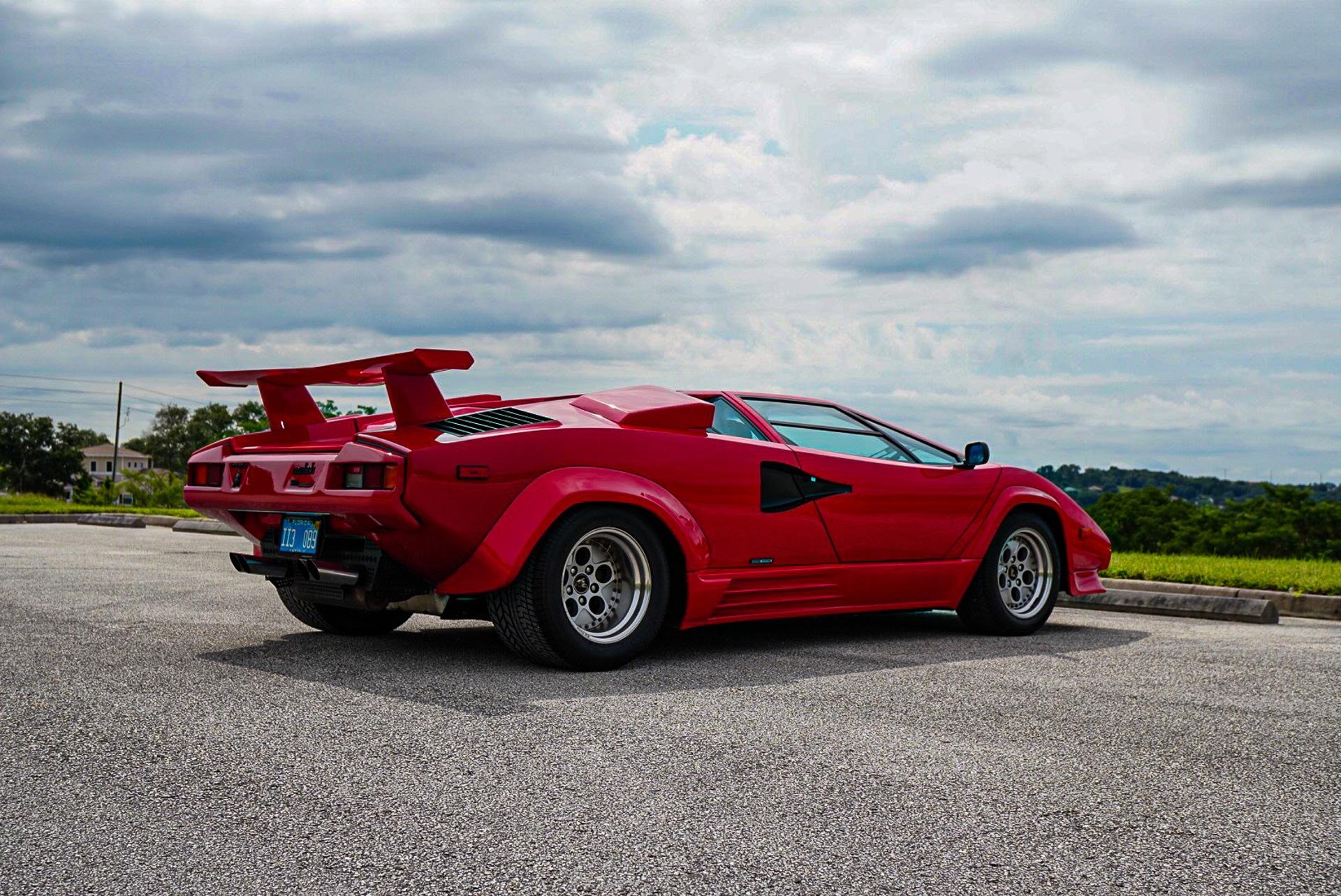 1988_Lamborghini_Countach_5000_QV_0046