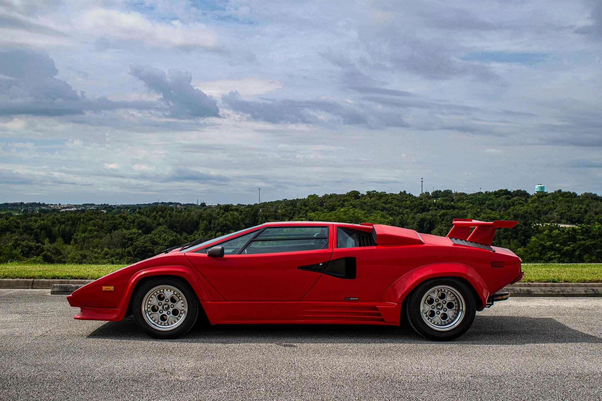 1988_Lamborghini_Countach_5000_QV_0060