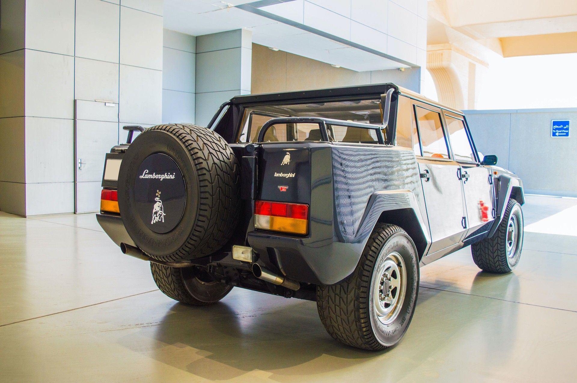 1988_Lamborghini_LM002_0001