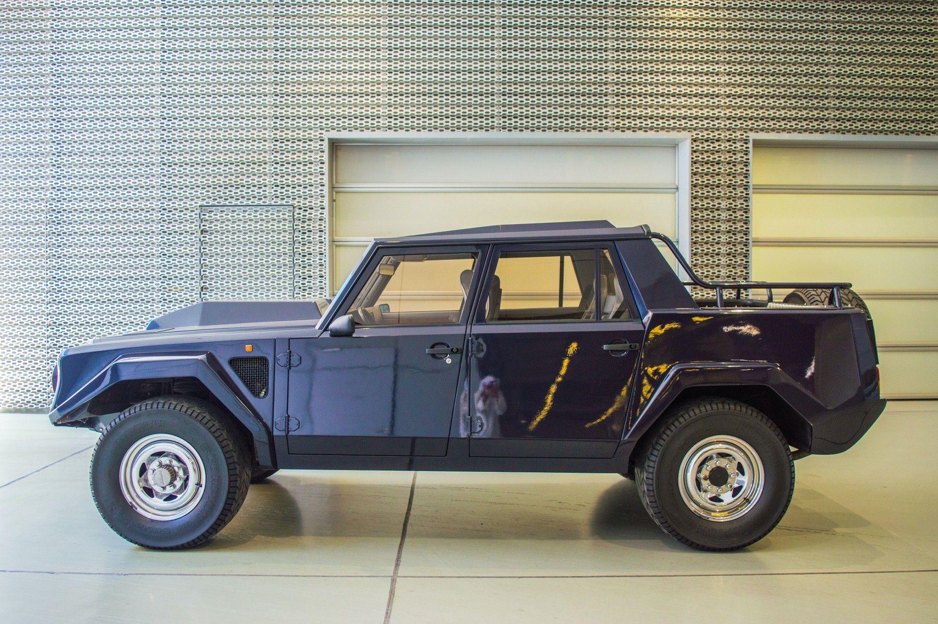 1988_Lamborghini_LM002_0004
