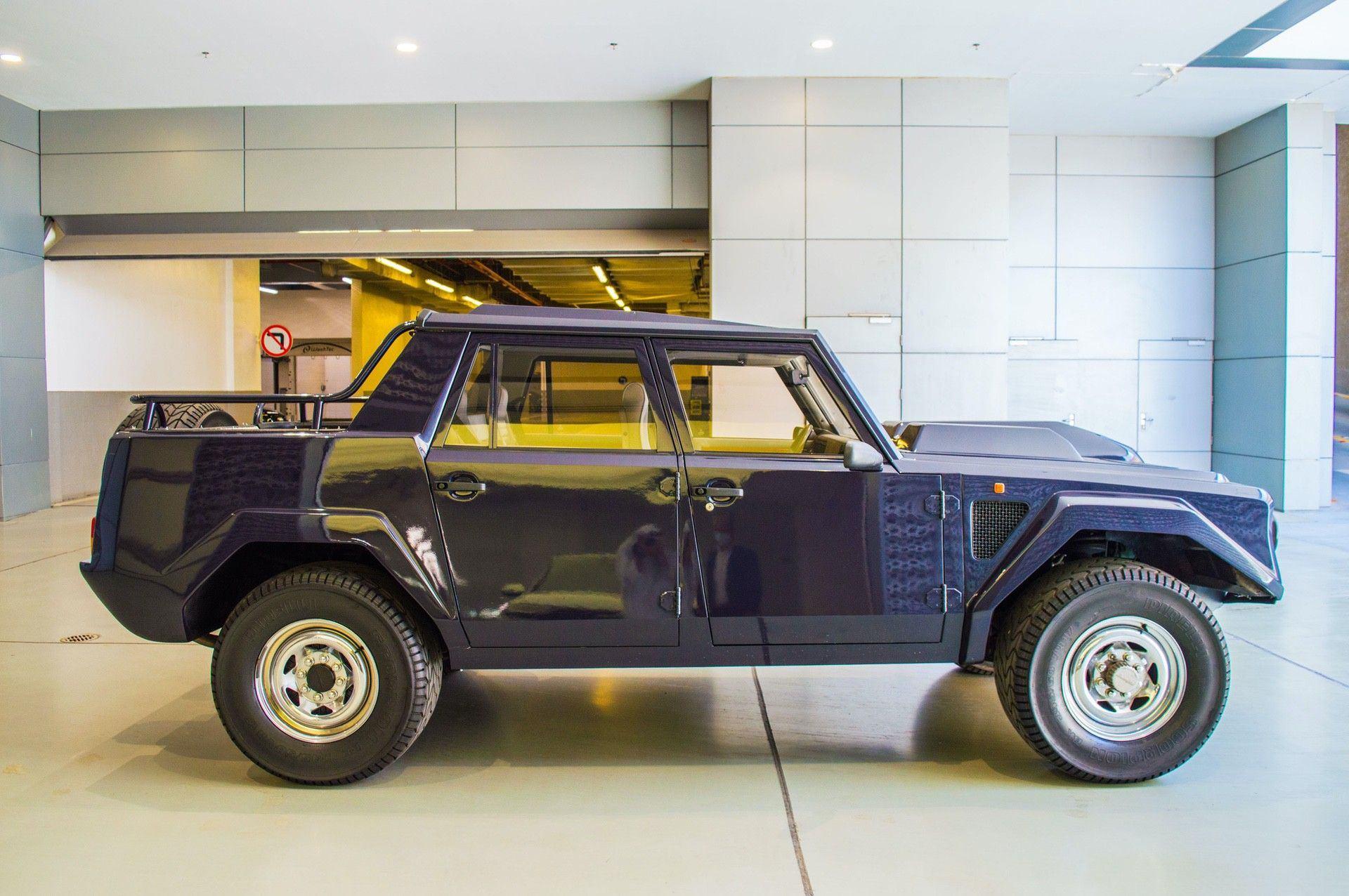 1988_Lamborghini_LM002_0005