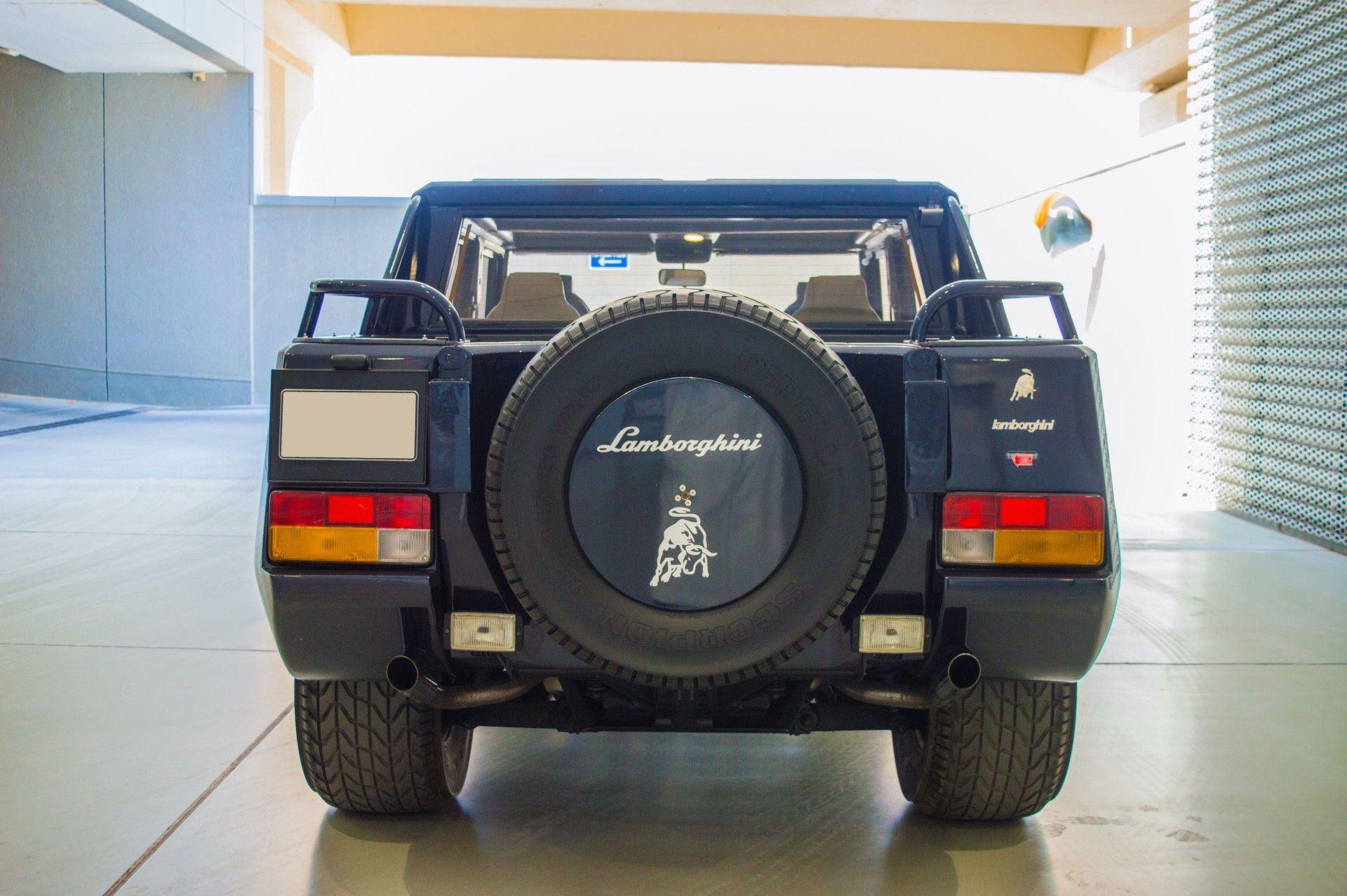 1988_Lamborghini_LM002_0007