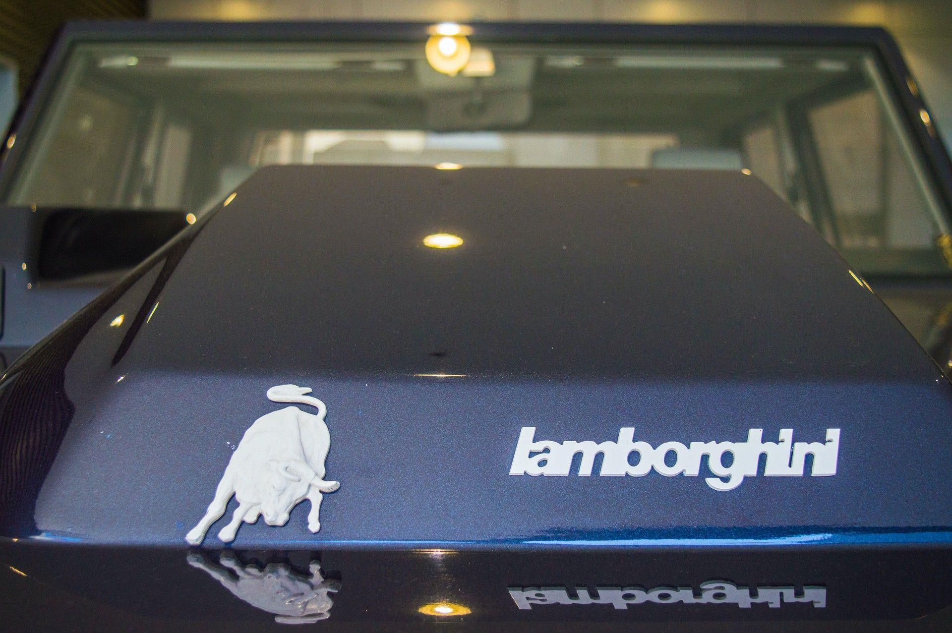1988_Lamborghini_LM002_0011