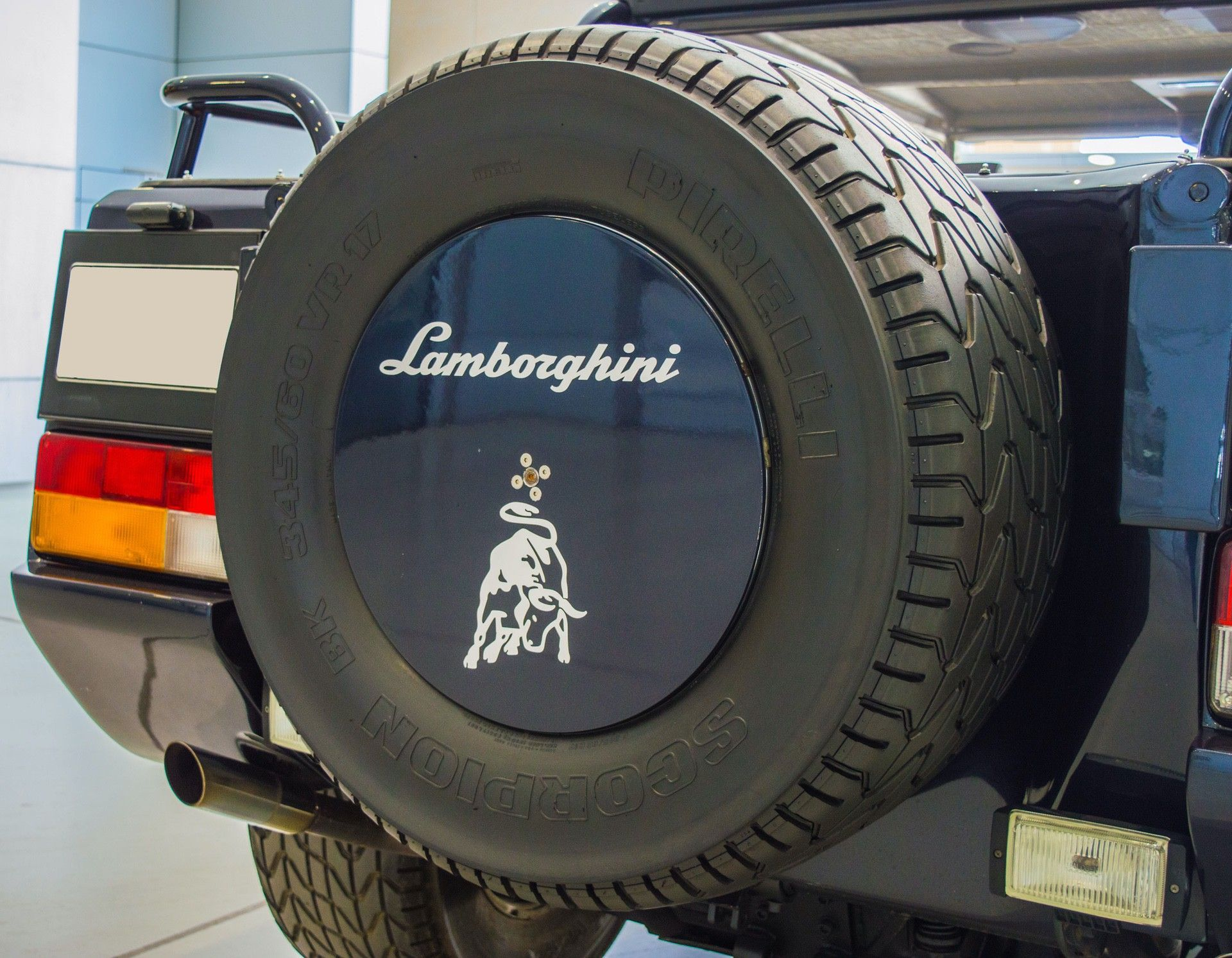 1988_Lamborghini_LM002_0012