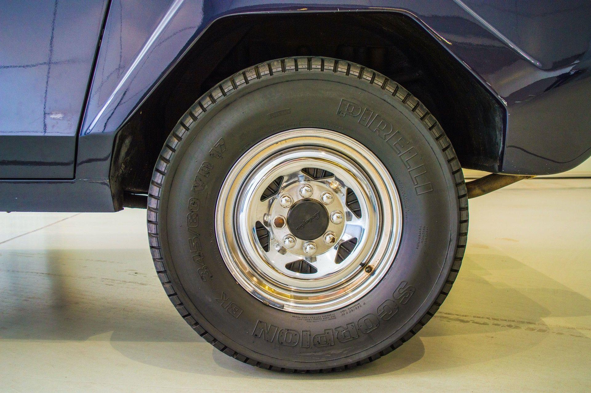 1988_Lamborghini_LM002_0015