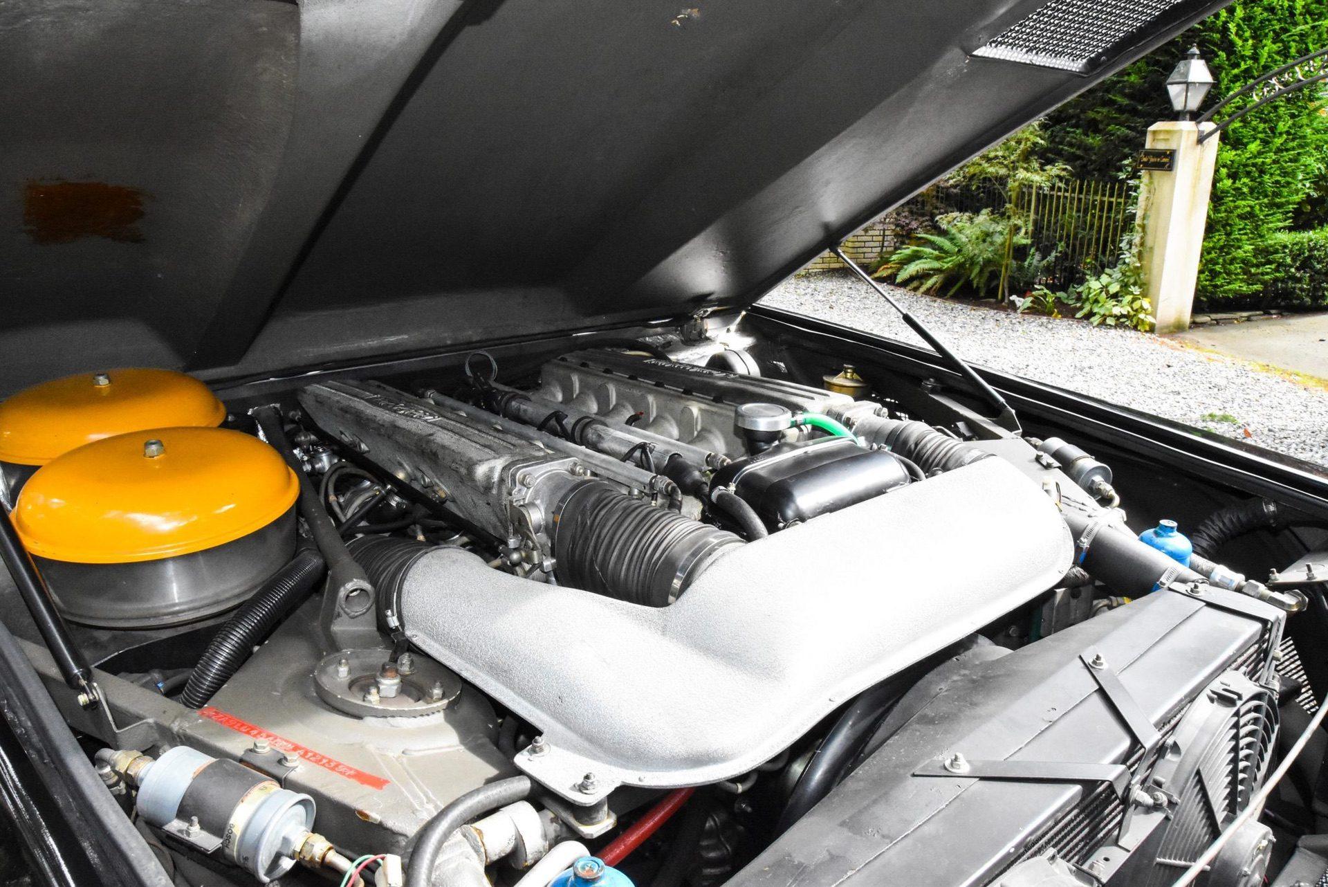 1989_Lamborghini_LM002_sale_0007