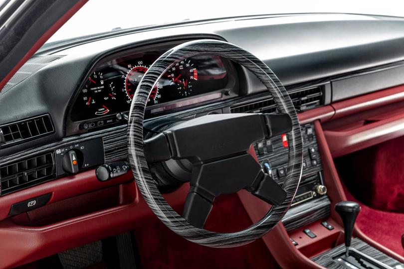 1989_Mercedes-Benz_560_SEC_AMG_Widebody_0008