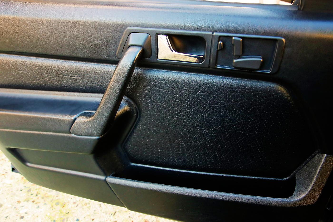 1990_Mercedes-Benz_190E_2.5-16_Evolution_II_0028