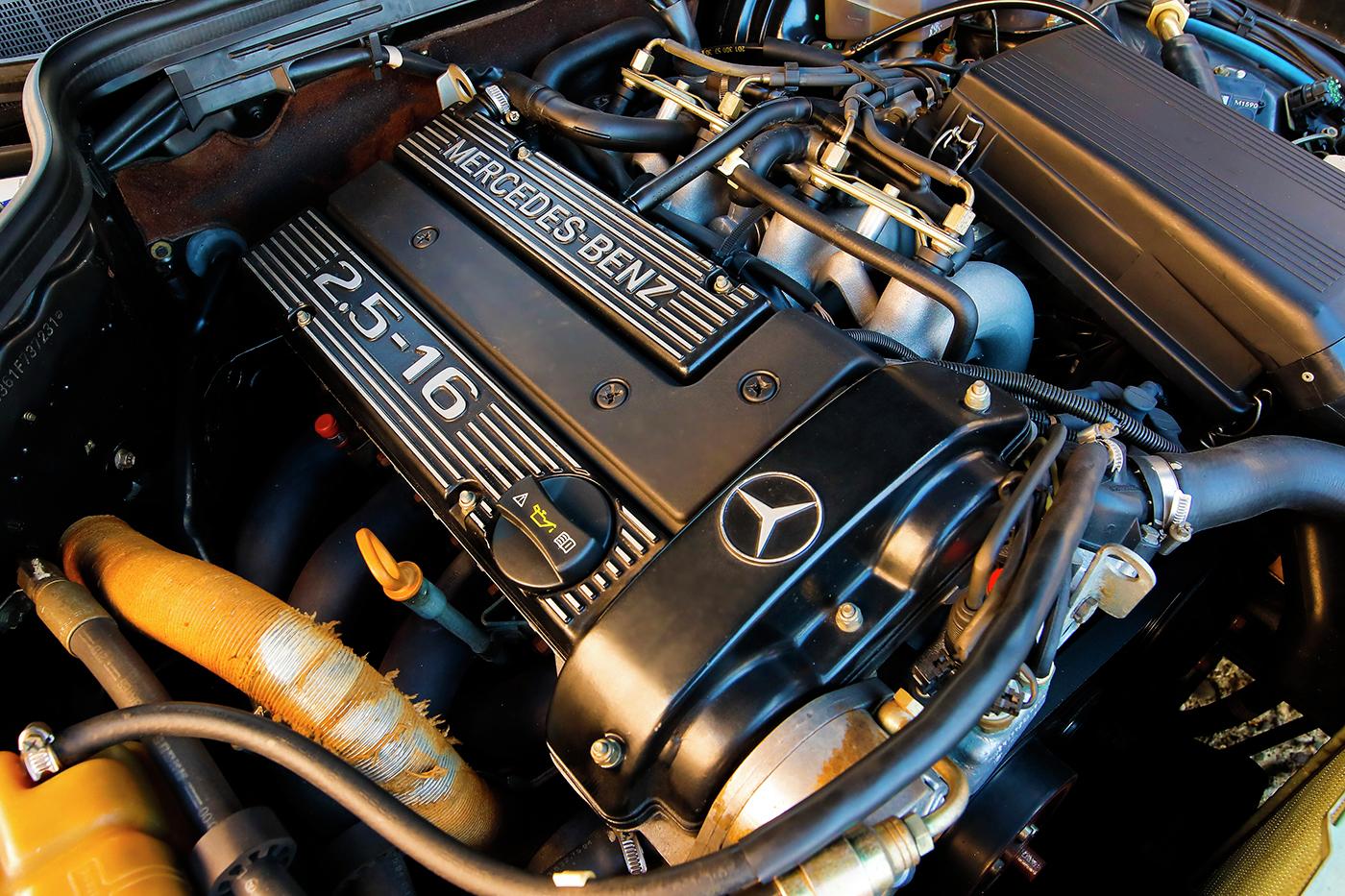 1990_Mercedes-Benz_190E_2.5-16_Evolution_II_0034