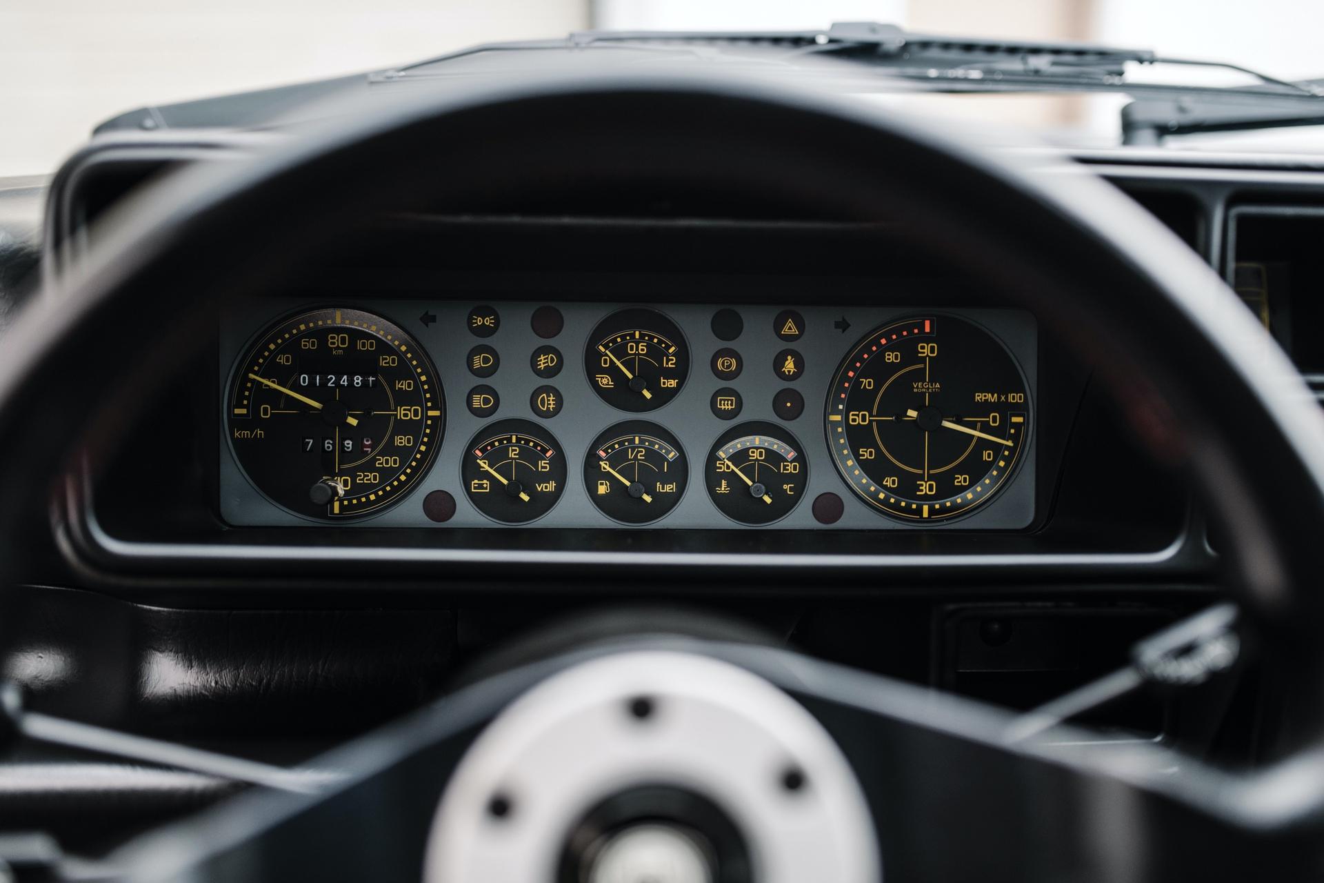 1992-Lancia-Delta-HF-Integrale-Evoluzione-_24