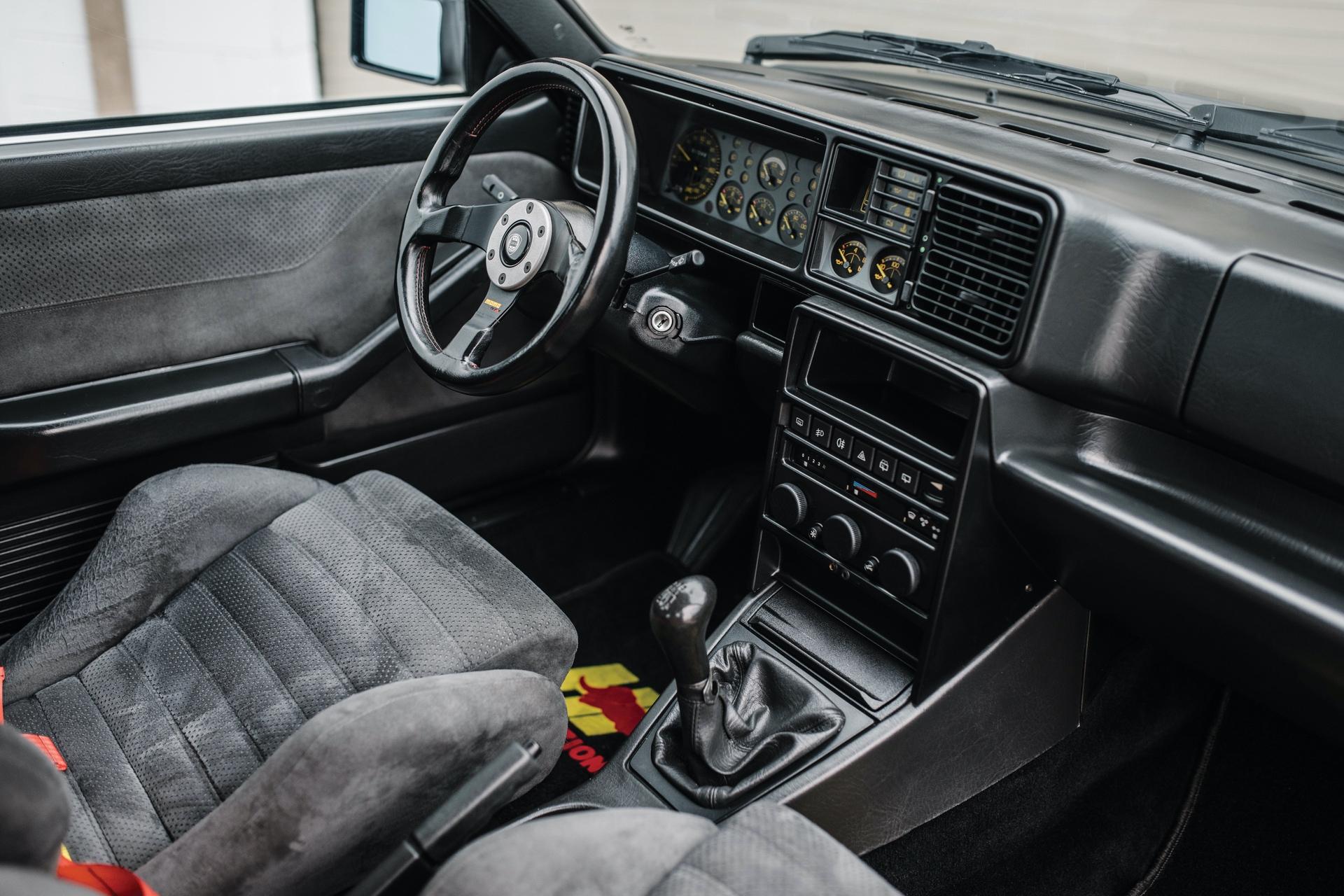 1992-Lancia-Delta-HF-Integrale-Evoluzione-_3