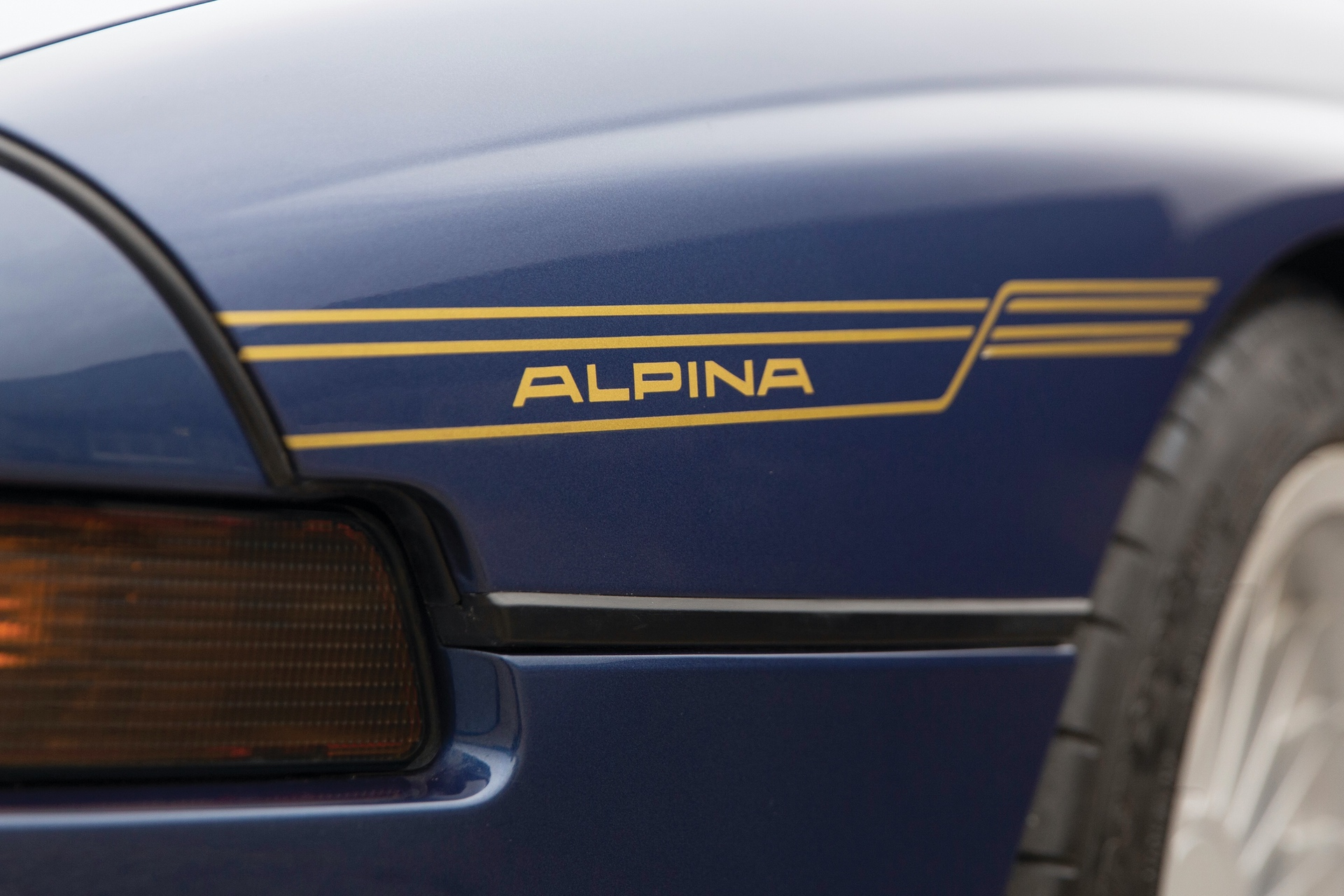 1993-BMW-Alpina-B12-5-7-Coupe-_6