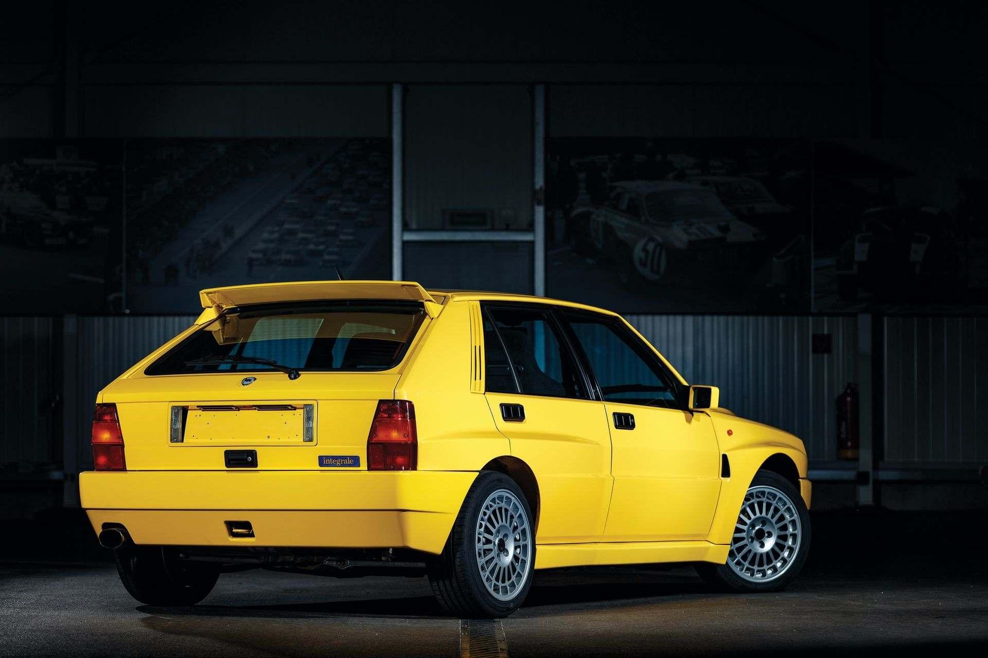 1993-Lancia-Delta-HF-Integrale-Evoluzione-II-_1