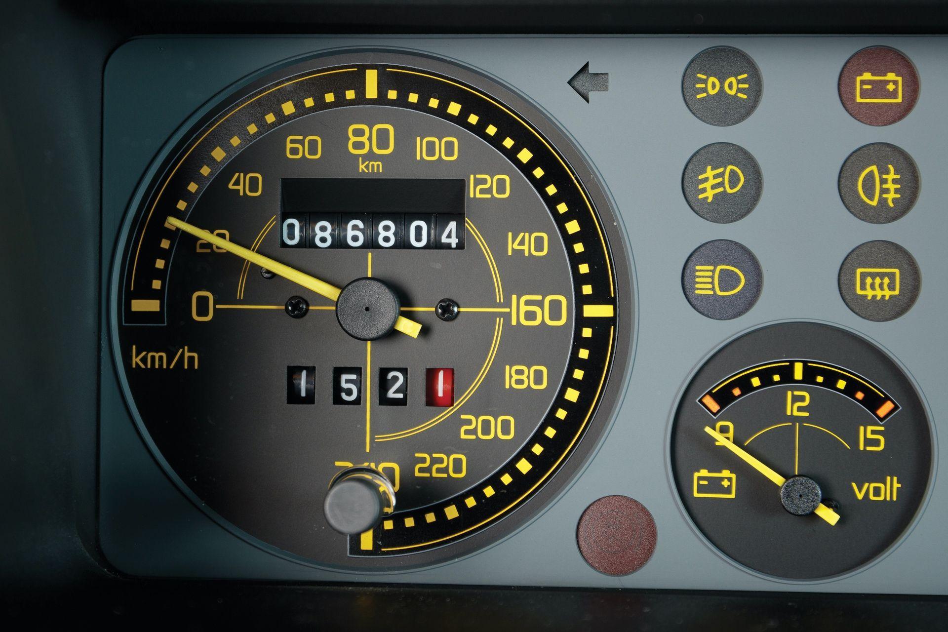 1993-Lancia-Delta-HF-Integrale-Evoluzione-II-_12