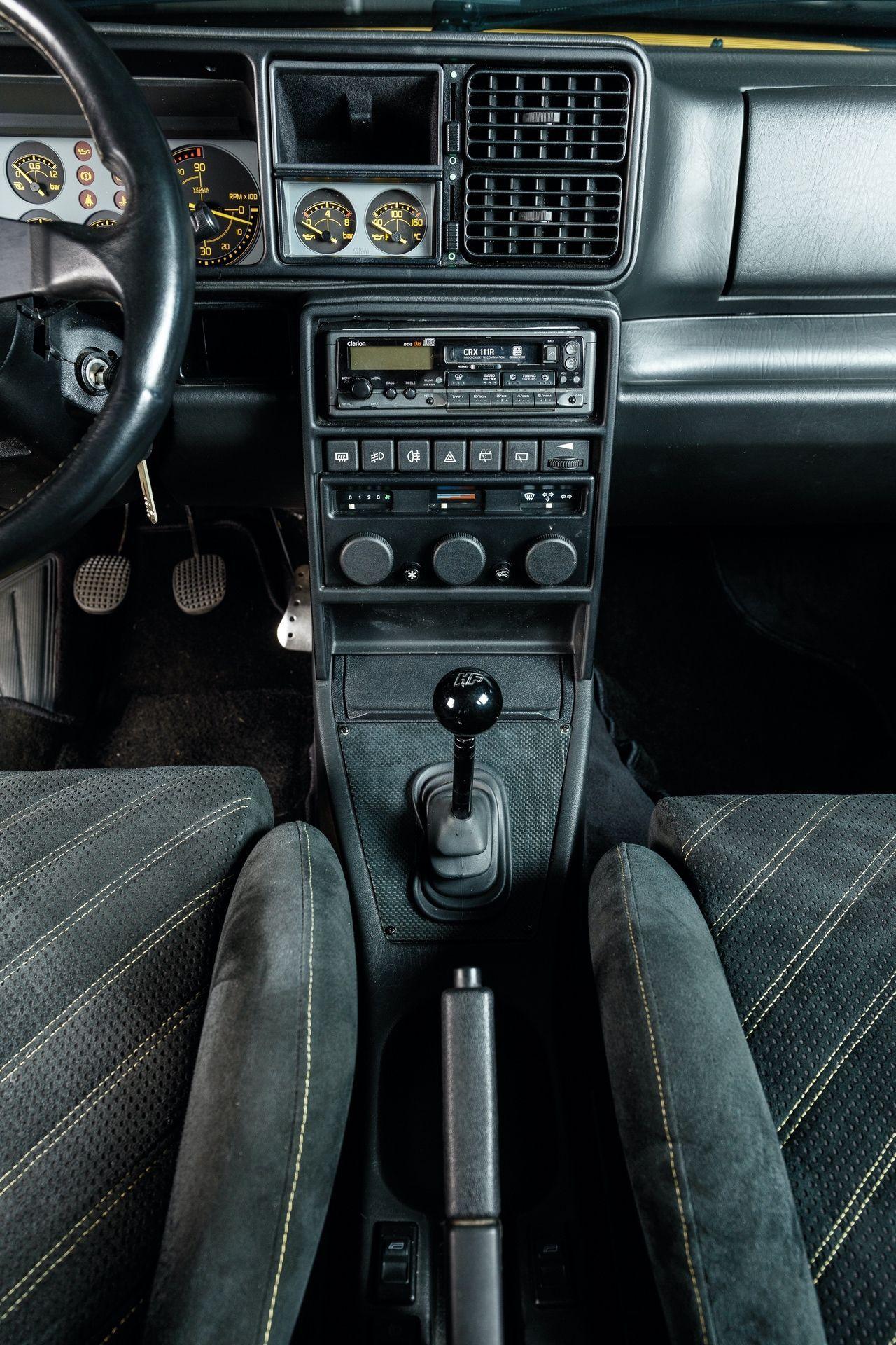 1993-Lancia-Delta-HF-Integrale-Evoluzione-II-_13