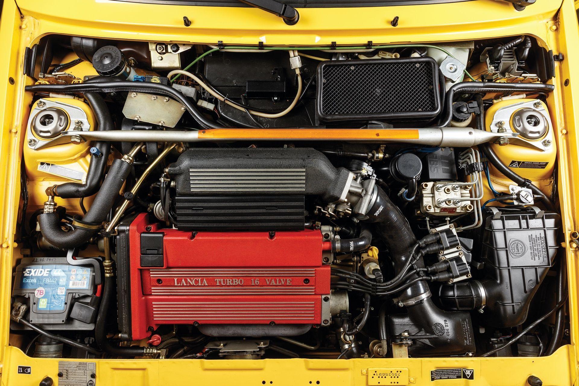 1993-Lancia-Delta-HF-Integrale-Evoluzione-II-_2