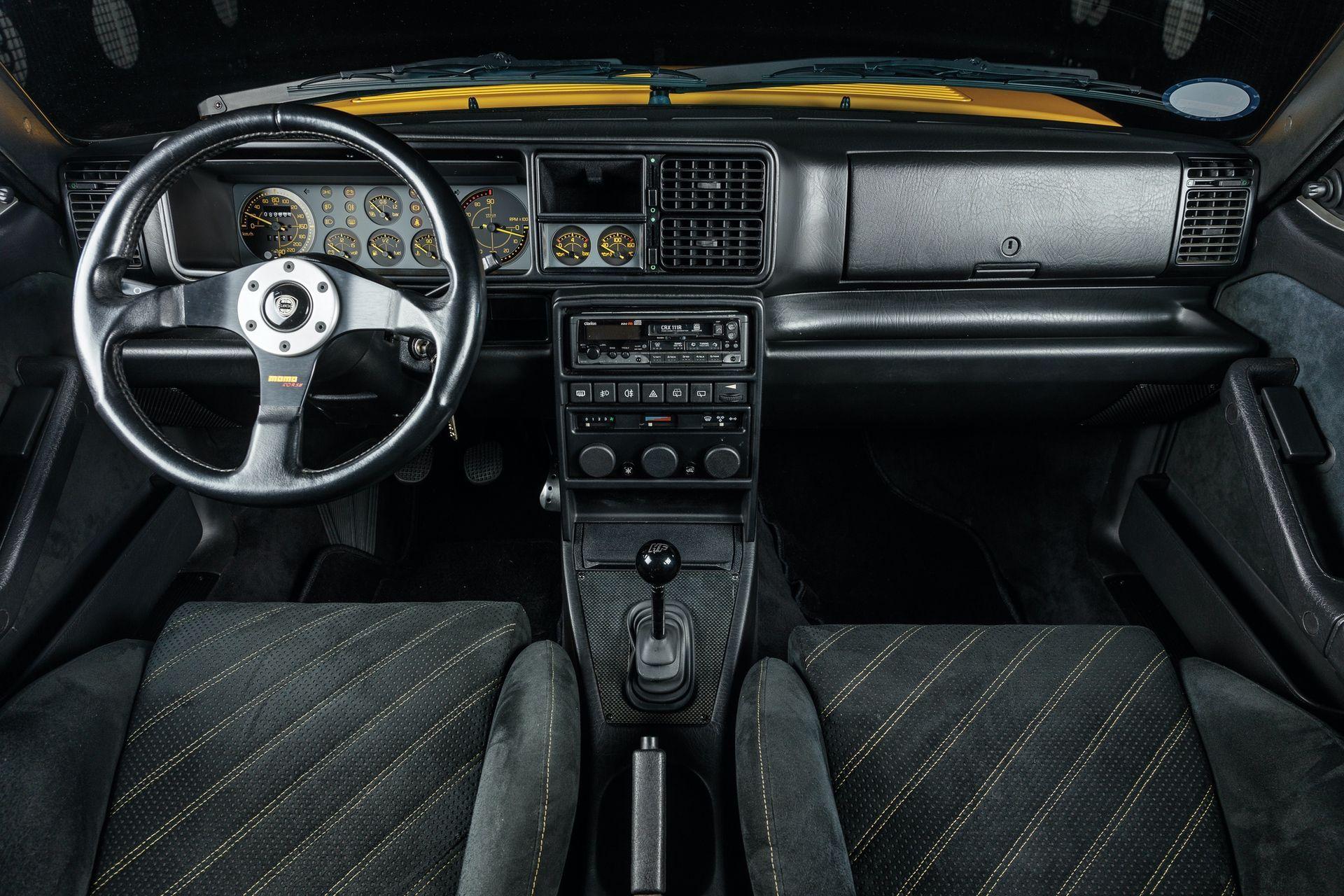 1993-Lancia-Delta-HF-Integrale-Evoluzione-II-_9
