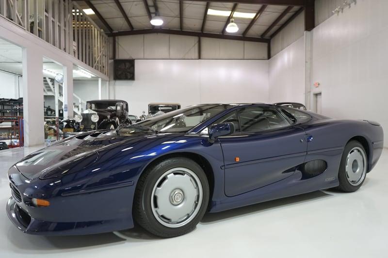 1994_Jaguar_XJ220_sale_0000