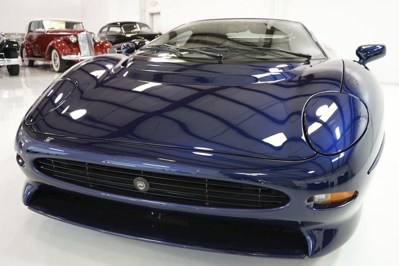 1994_Jaguar_XJ220_sale_0002