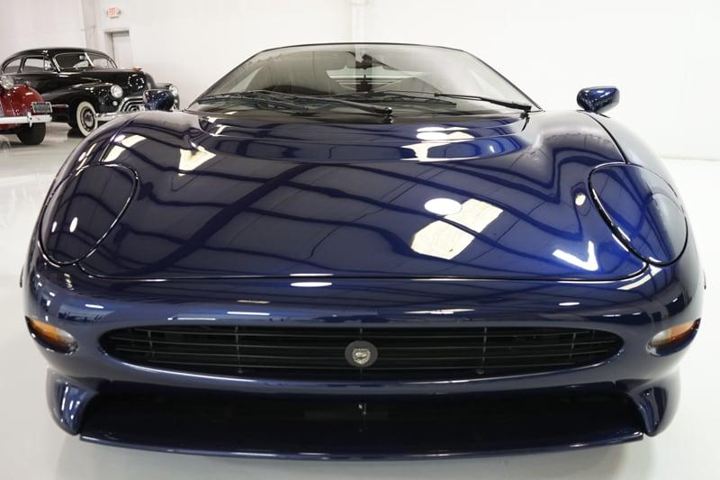 1994_Jaguar_XJ220_sale_0003