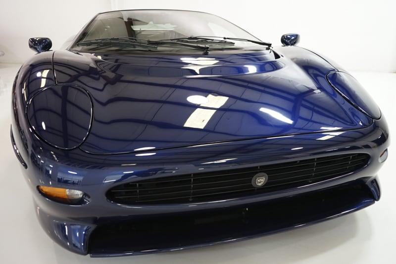 1994_Jaguar_XJ220_sale_0004