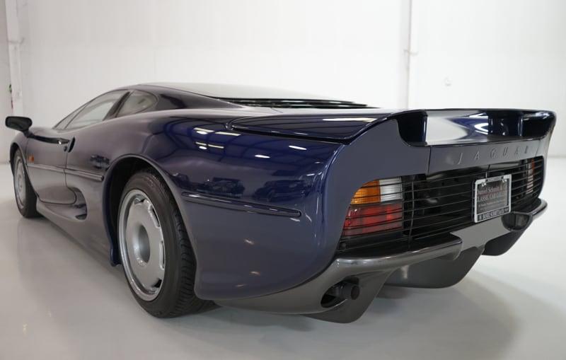 1994_Jaguar_XJ220_sale_0011