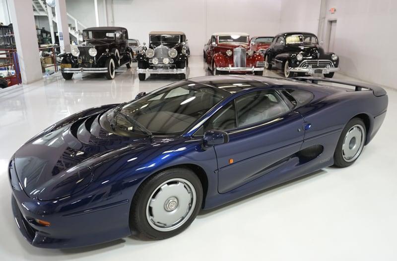1994_Jaguar_XJ220_sale_0015