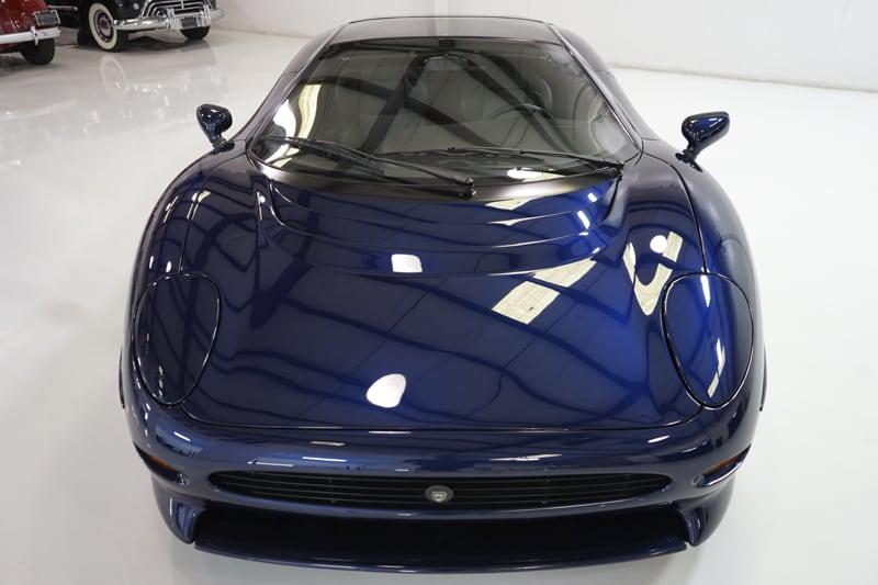 1994_Jaguar_XJ220_sale_0017