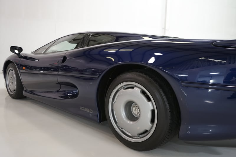 1994_Jaguar_XJ220_sale_0021