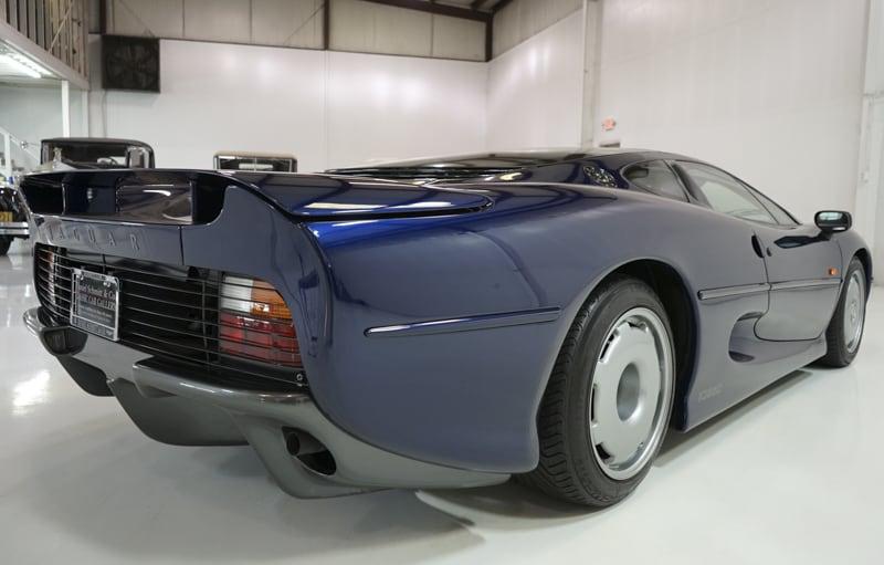 1994_Jaguar_XJ220_sale_0024