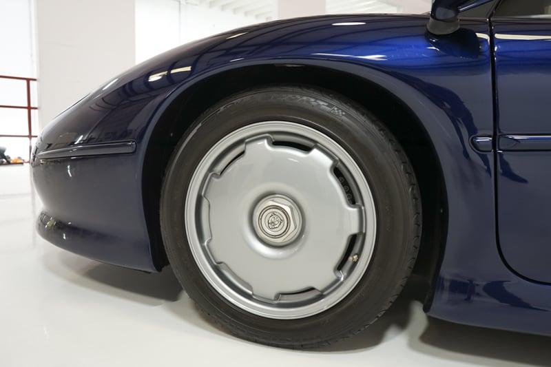 1994_Jaguar_XJ220_sale_0025