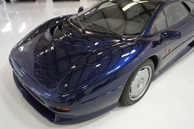 1994_Jaguar_XJ220_sale_0027