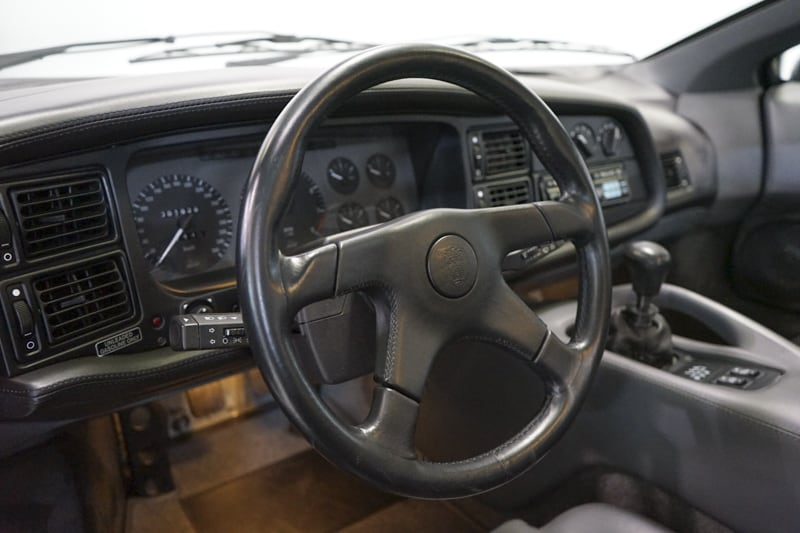 1994_Jaguar_XJ220_sale_0031