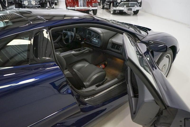 1994_Jaguar_XJ220_sale_0035