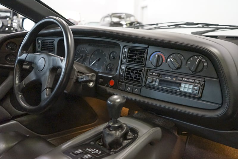 1994_Jaguar_XJ220_sale_0036