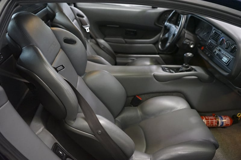 1994_Jaguar_XJ220_sale_0037