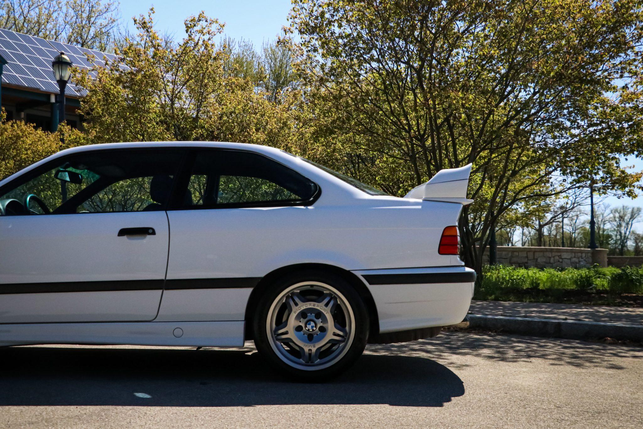 1995_BMW_M3_Lightweight_0009