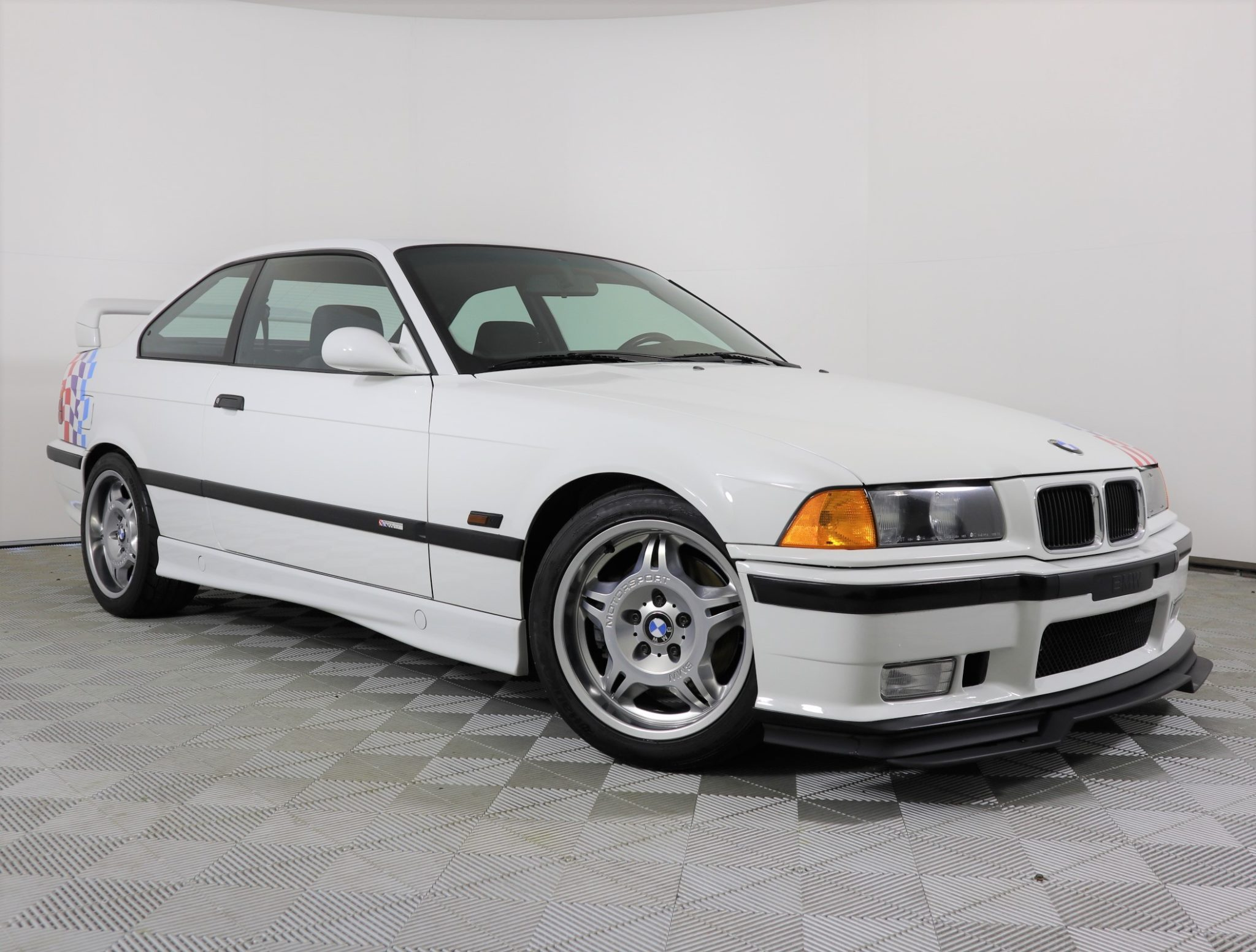 1995_BMW_M3_Lightweight_0012
